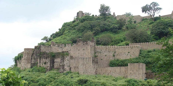 Historical forts in india4