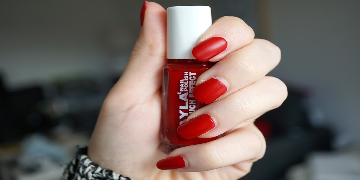 fyi 5 nail paints men love on women2
