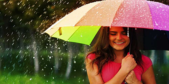 Tips to look stylish during monsoon