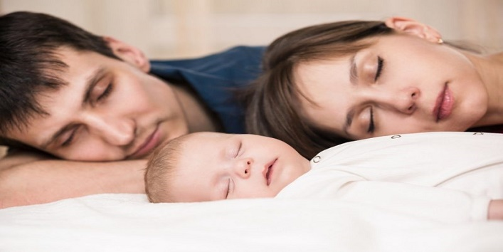 babies-sleeping-with-parents4