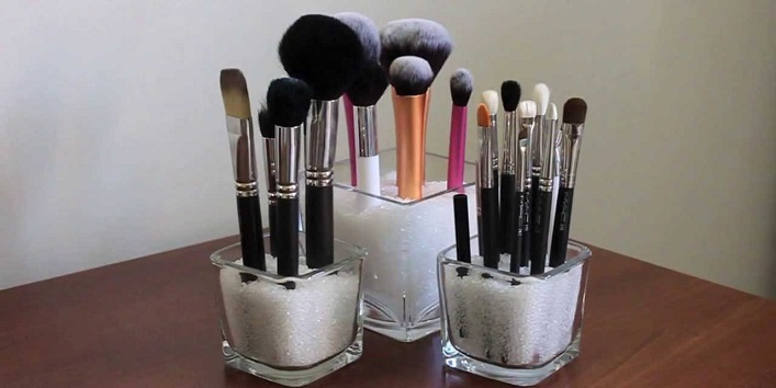 Use clean and sanitized makeup brushes