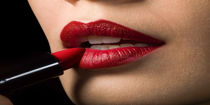 Try these trendy lipstick shades to flaunt bold look