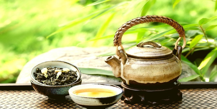 Green tea for steaming and glowing skin