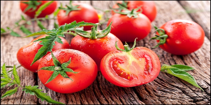 Tomatoes for removing suntan and providing nourishment to skin