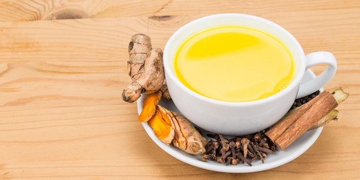 Turmeric-Milk-for-Treating-Flu-Malaria-and-Cough