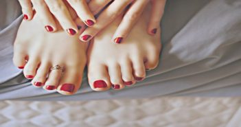 How to make your feet stay beautiful during monsoon