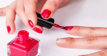 things to keep in mind while applying nail paint during monsoon cover