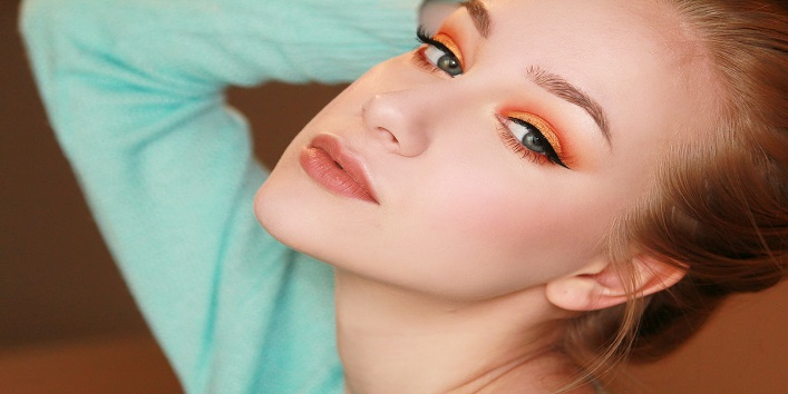 Bright colours eye shadow