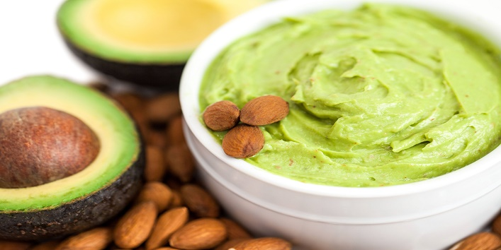 Avocado-face-pack-for-smooth-skin