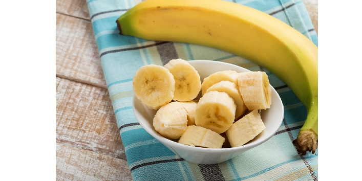 Banana-face-pack-for-skin-hydration