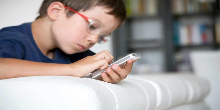 Try-these-tips-if-your-kid-is-addicted-to-Internet-4